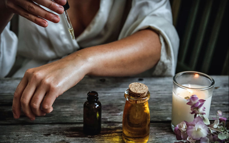 8 Stress Free Scents with Essential Oils